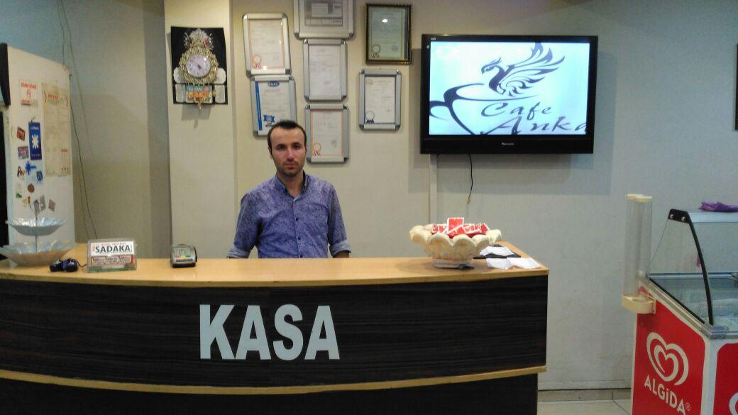 Anka Cafe İşletmecisi Ahmet Güzel Kadir Gecesi tebriği yayınladı