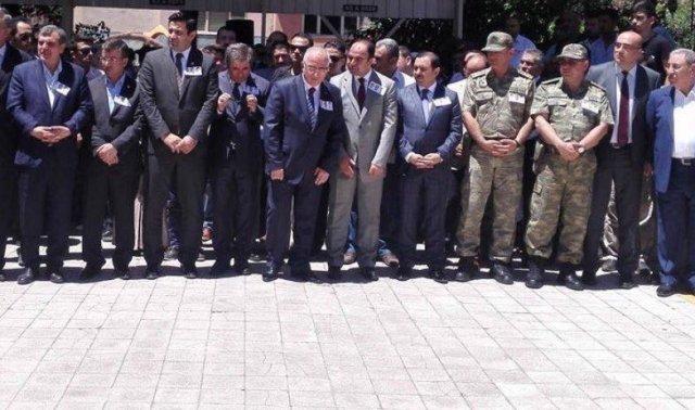 Şanlıurfada 3 Şehit Polis Dualarla Uğurlandı