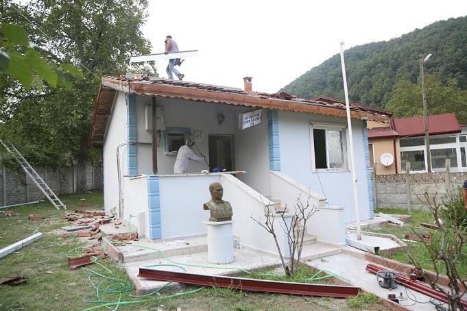 Sapanca Belediyesi Fevziye Mahalle Muhtarlık binasını yeniliyor