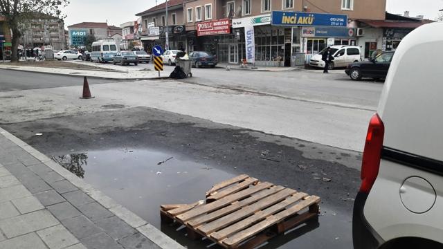 Sakarya Büyükşehir Meclisi Toplantı Halindeyken SAKARYA sokakları