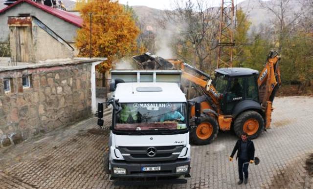 Bitlis Belediyesi,kent genelinde temizlik seferberliği başlattı.