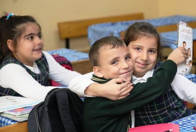 Zeytinburnu'nda  20 Bin Öğrenciye Diş Fırçası