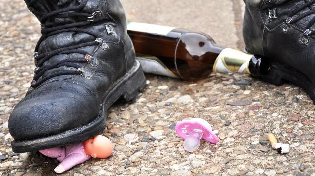 Yeşilay uyarıyor: Evdeki şiddetin sorumlusu alkol