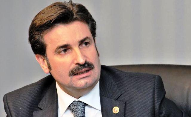 """AK Parti  Milletvekili Ayhan Sefer Üstün """"Cam kadar şeffaf biriyim"""""""