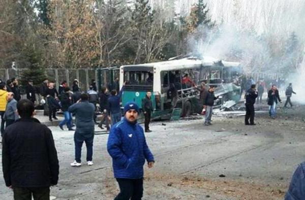 Kayseri'de bomba yüklü araçla saldırı… 13 şehit, 48 yaralı