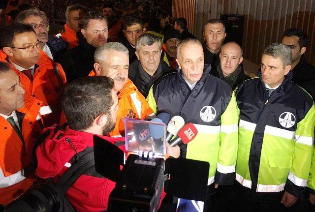 Ulaştırma Bakanı Ahmet Arslan SEDAŞ  işçilerle yeni yıla  girdi