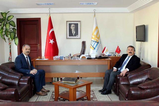Arifiye Belediye Başkanı Karakulukçu'yu Mehmet Erdemir  ziyaret etti