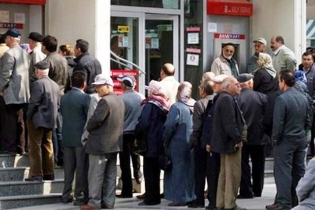 Bankalar Promosyon ile emeklileri 3 yıl rehin alaca