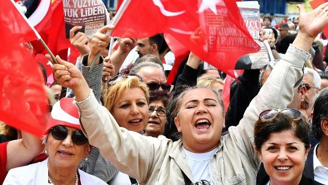 """19 Mayıs'a """"Halk kutlaması"""""""