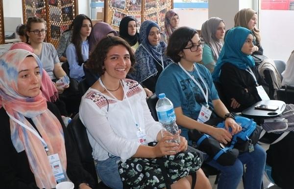 Bulgaristan'dan Adapazarı'na  Gençlik Değişimi Başladı