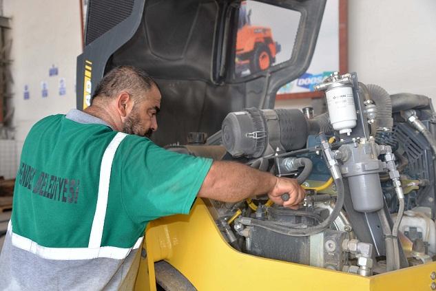 İş makinelerinin onarımını belediye yapıyor