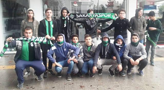 Sakaryaspor Silivrispor ile 2-2 berabere kaldı.