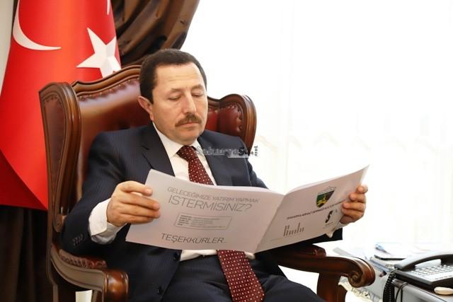 Vali Balkanlıoğlu, Sakarya Abhaz Derneği'ni tebrik etti