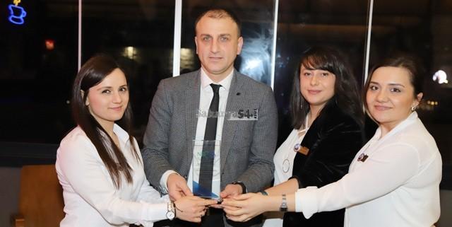 Ayhan Akdağcı Sigorta Başarılarını personelleriyle kutladı