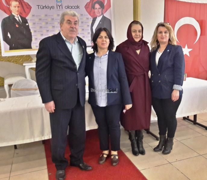 İYİ Parti Arifiye Kongresinde Emine KUMRU İlçe Başkanı Seçildi
