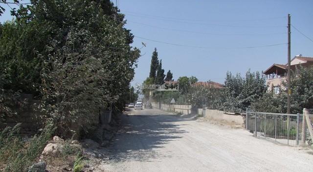 GEYVE ilçesinde Yolları  Yatırım proğramına alınmayan vatandaşlar isyan etti.