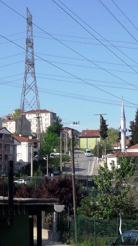 Maltepe Mahallesi'nde bulunan Yüksek Gerilim Hatları Ölüm Saçıyor