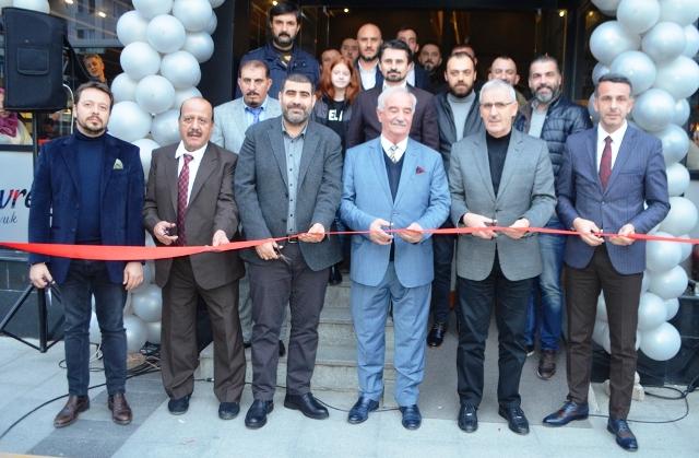 Serdivan'da Gevvrek Tavuk &  The Joud Caffee hizmete girdi