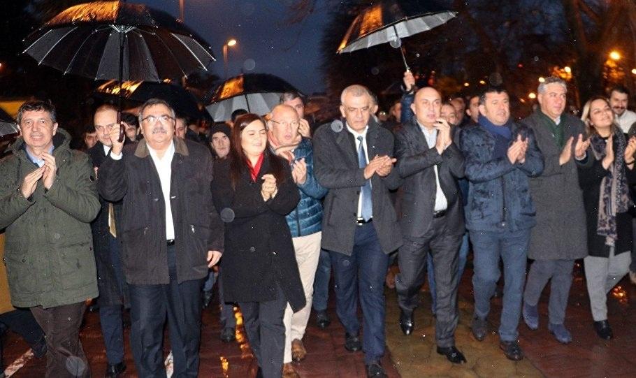 """CHP Grup Başkanvekili Engin Özkoç """"Tank Palet  İşçisi sınırda savaşan Mehmetçiktir"""""""