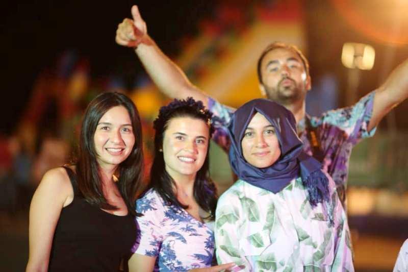 Karadere mahallesinde Gençlerin Bayram eğlencesi Muhteşem