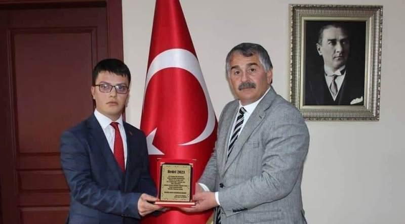 Mert Özdemir 'den Arifiye Belediye Başkanı İsmail Karakullukçu'ya teşekkür Mesajı