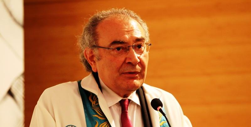 Prof. Dr. Nevzat Tarhan'dan geleceğin doktorlarına tavsiyeler