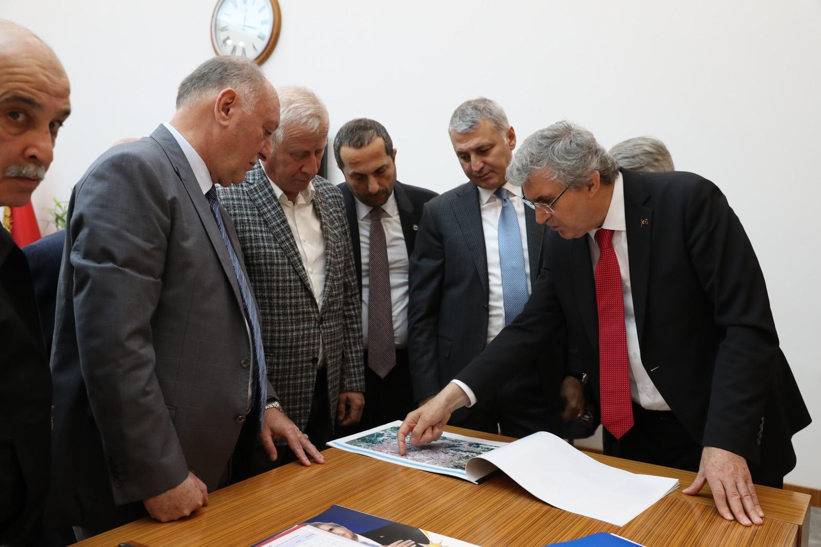 İş Dünyası'ndan Büyükşehir Belediye Başkanı Yüce'ye ziyaret