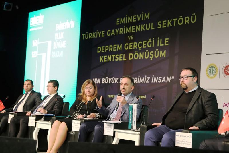 """""""Eminevim Türkiye Gayrimenkul Sektörü ve Deprem Gerçeği ile Kentsel Dönüşüm Sempozyumu"""" İzmir'de gerçekleşti."""
