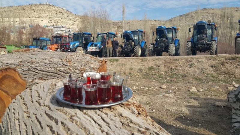 """New Holland, """"Toplu Bakım Günü""""nde Türkiye'nin 81 ilinde 3 bin 500 traktörün bakımını gerçekleştirdi"""