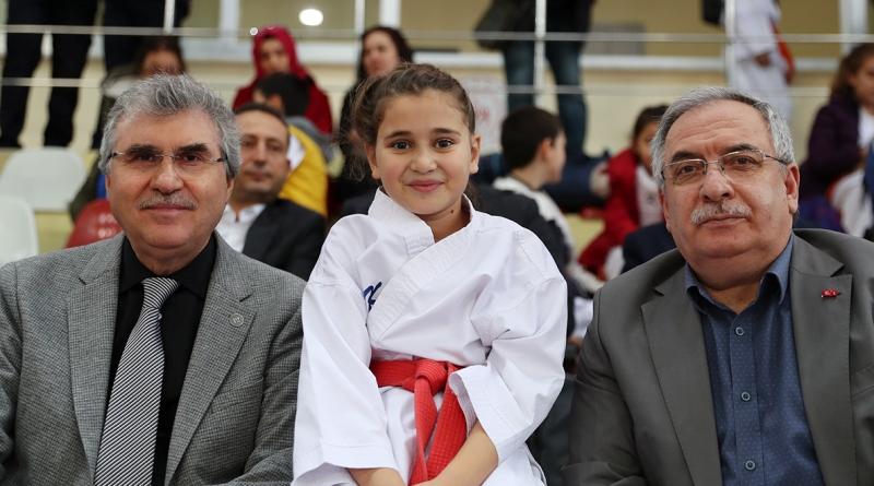 Ekrem Yüce,  Şehit Emniyet Müdürü Ali Gaffar Okkan'ı anma etkinliğine katıldı