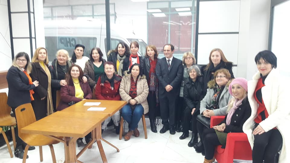 CHP il başkanı Ecevit Keleş, başkanlığı Erdoğan Isır'dan devraldı.