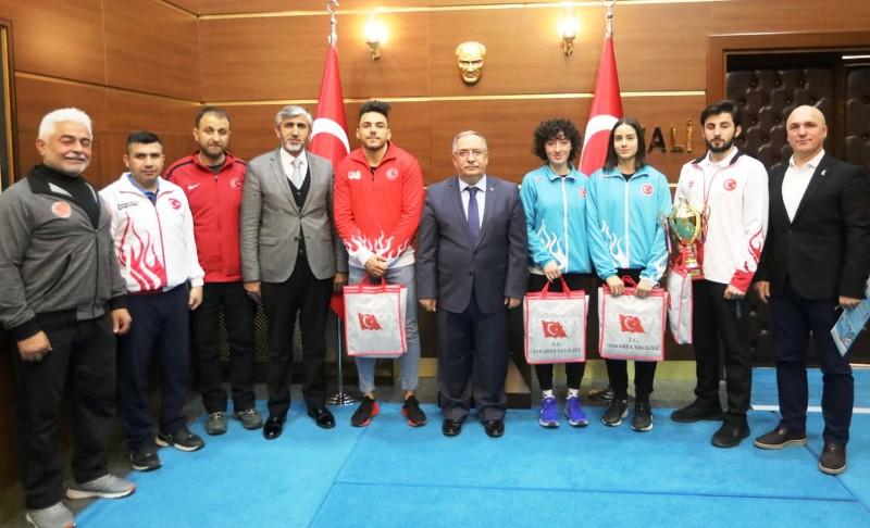 Dünya ve Balkan Şampiyonlarından Vali Nayir'e Özel Ziyaret