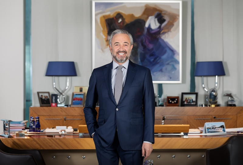 Akfen Holding Yönetim Kurulu Başkanı Hamdi Akın ev sahipliğindeki 'Bodrum Loft'da Sanat' sanatseverleri buluşturacak