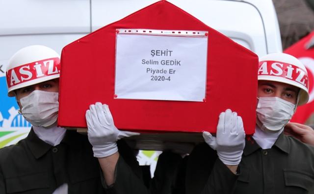 Şehit Piyade Er Selim Gedik'i son yolculuğuna gözyaşlarıyla uğurlandı