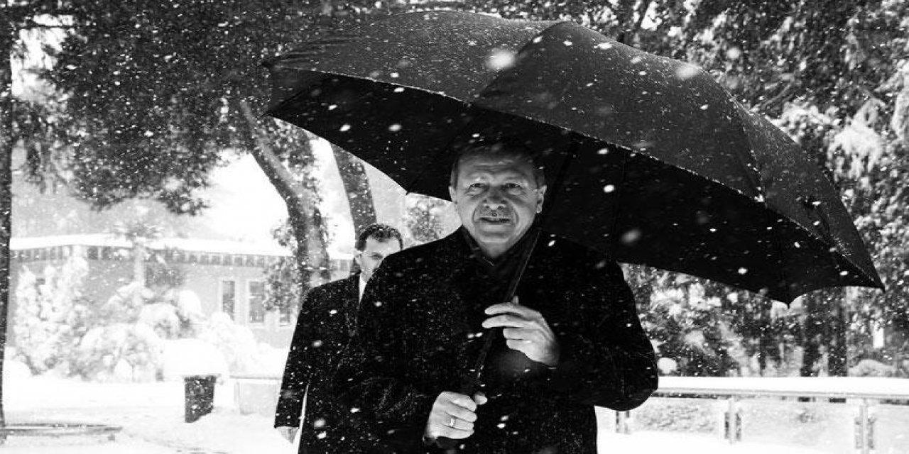Cumhurbaşkanı Erdoğan'dan emojili kar paylaşımı…