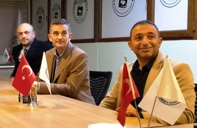 Ümit DİKBAYIR Katlı Pazaryeri Alışveriş Merkezi Yönetim Kurulu Başkanı Mehmet Demir 'i ziyaret etti