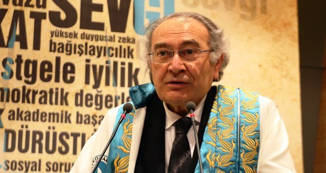 """Prof. Dr. Nevzat Tarhan: """"Pandemide 24 altın değer kavramının kıymeti anlaşıldı"""""""