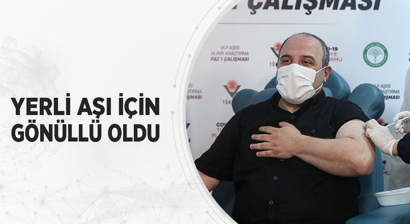 Sanayi ve Teknoloji Bakanı Mustafa Varank,VLP aşı adayının ilk insanlı denemelerinde gönüllü oldu.