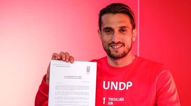 """Birleşmiş Milletler Kalkınma Programı (UNDP) Yusuf Yazıcı'yı """"Yoksullukla Mücadele Savunucusu"""" İlan Etti"""