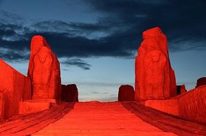 Türkiye kırmızı ışıkla Kızılay için aydınlandı