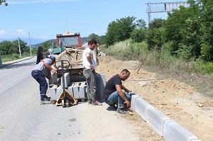 Arifiye Belediyesinin Kaldırım Çalışmaları Tüm Hızıyla Sürüyor…