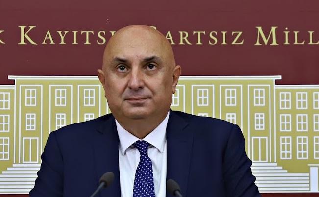 CHP Grup Başkanvekili Engin Özkoç,'Arkadaşlar dik durun, eğri belasını bulur'